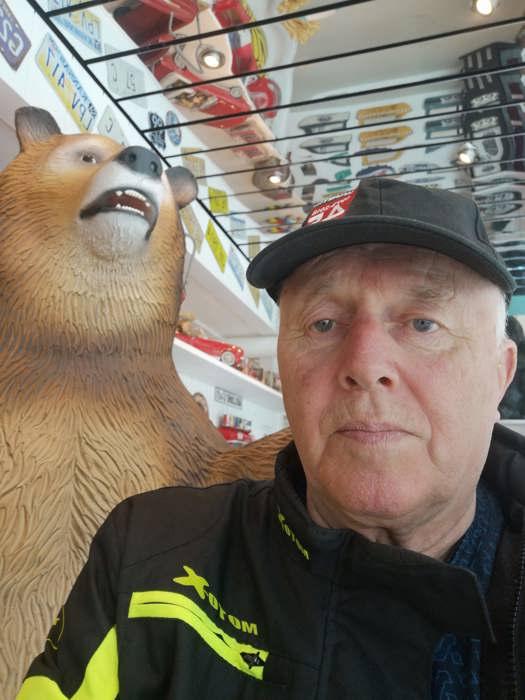 Ble overrasket av bjørn på Cafeen.jpg