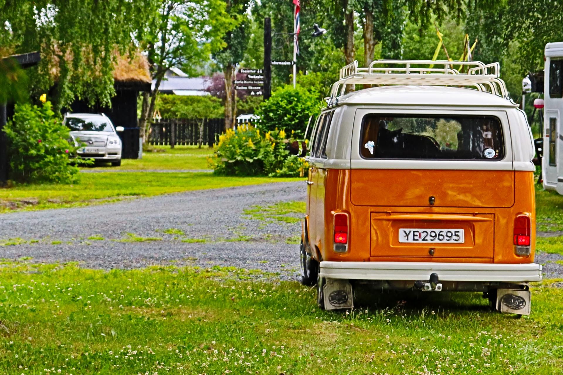 Volkswagen Camper.JPG