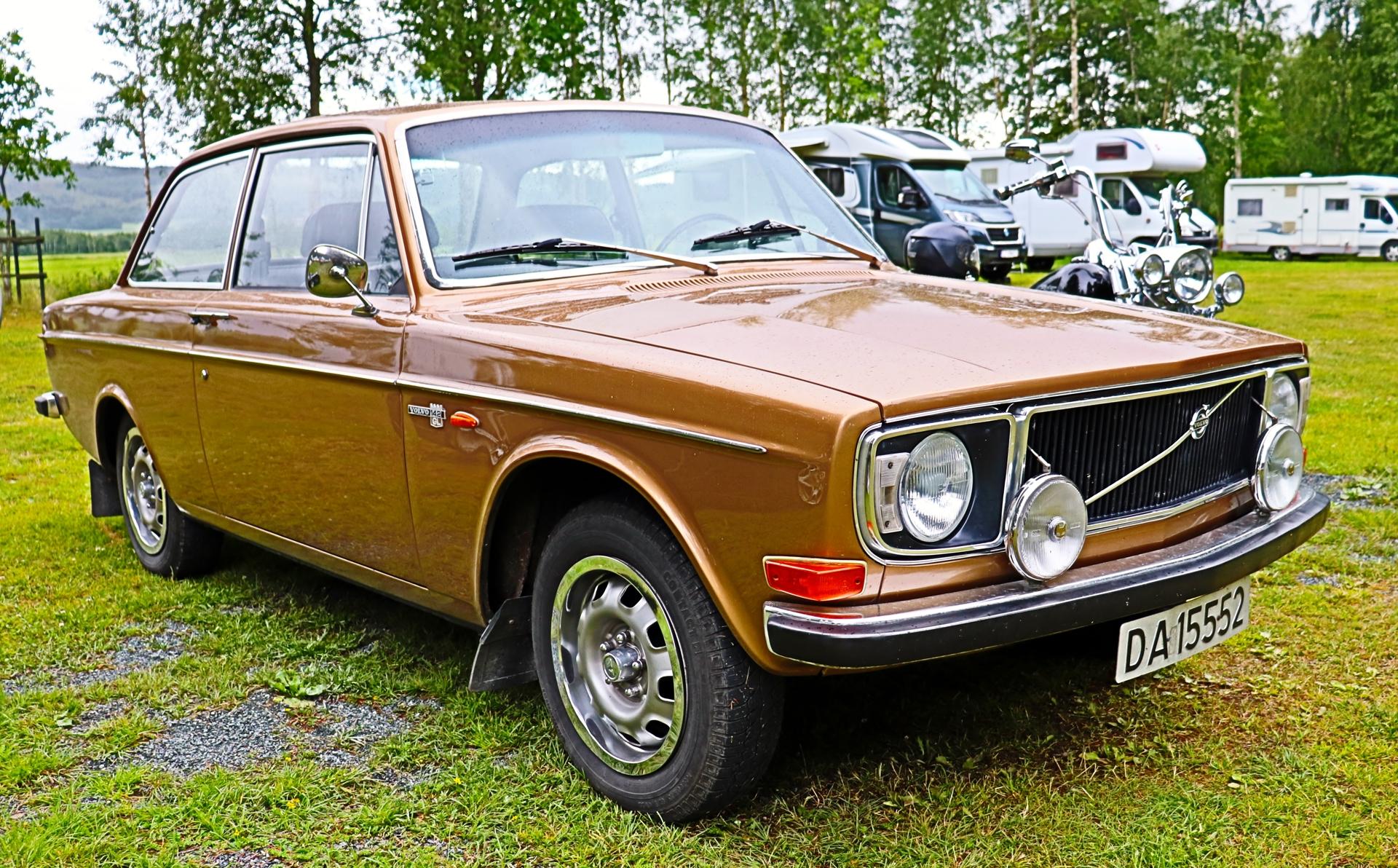 Volvo 142 Grand Luxe (2).JPG