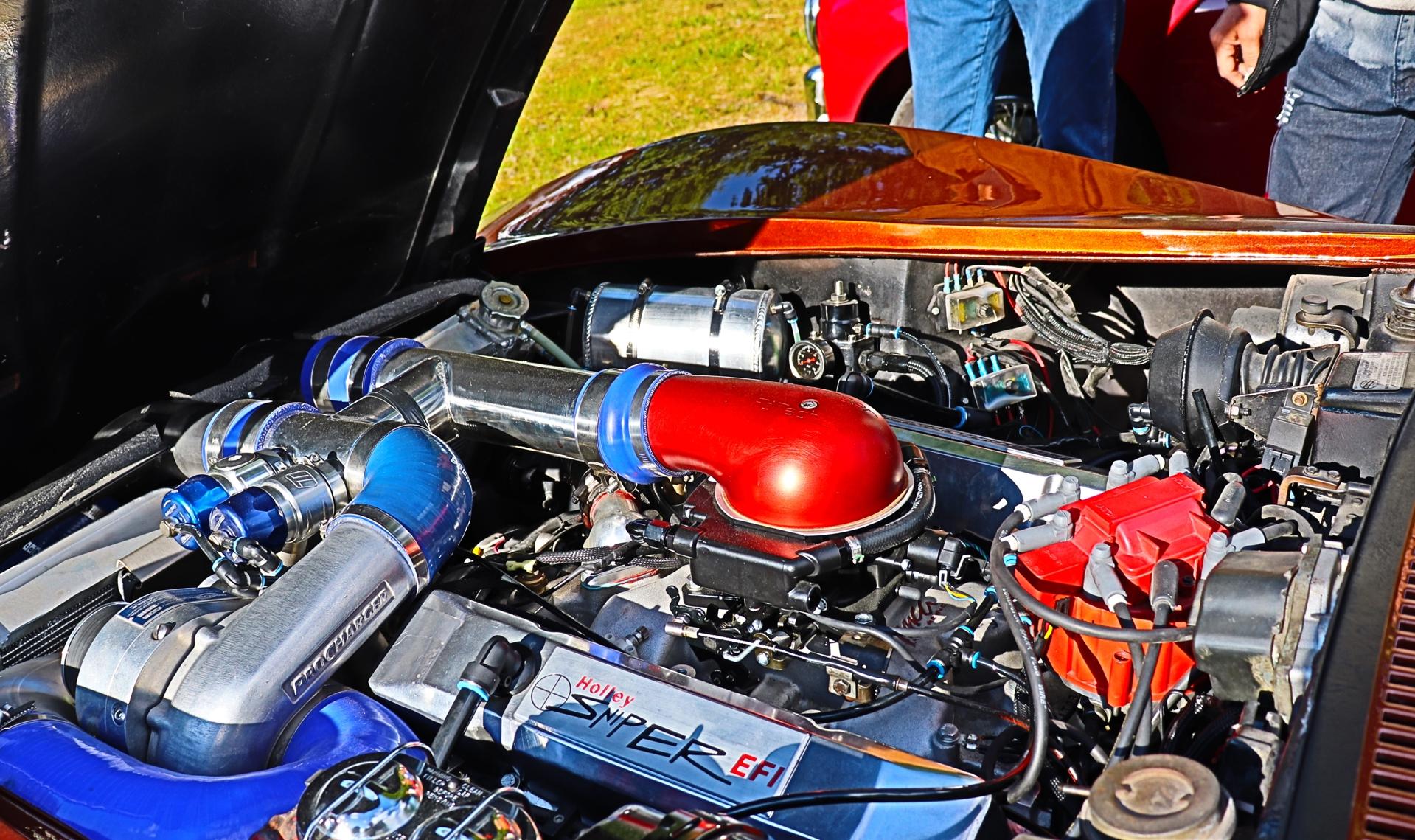 Chevrolet Corvette (3).JPG