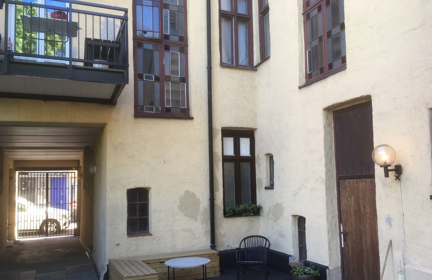 Bakgård Motzfeldtsgt 18 mai 2020-1.jpg