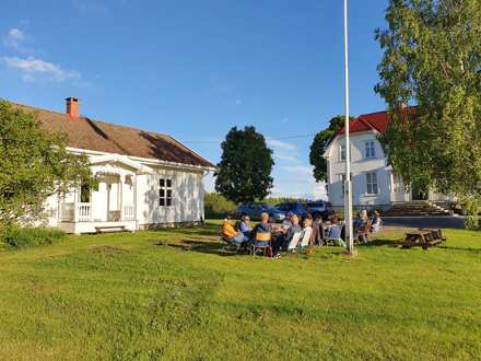 Vølneberg skole ble tatt i bruk i januar 1864, og var en av de 8 nye fastskolene som ble etablert i daværende Sørum kommune.