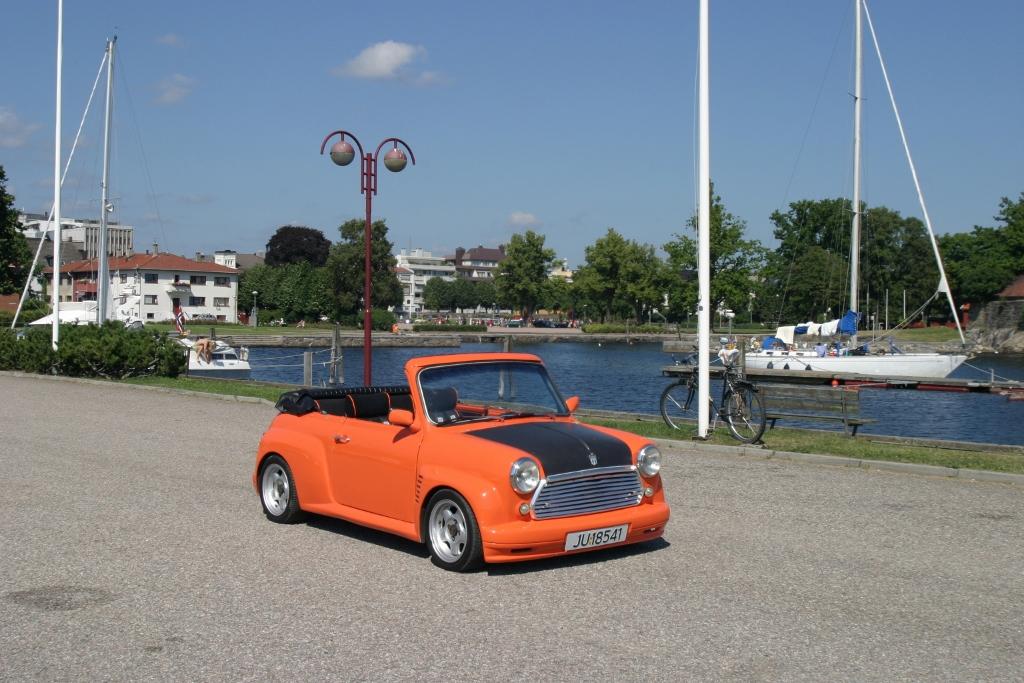 Mini_cab03 (1024x683).jpg