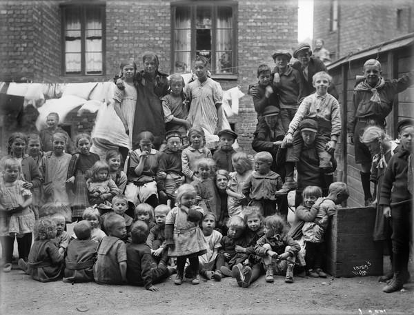 Barn i Gråbeingården Lakkegata 71 ca 1925-30. A.B.
