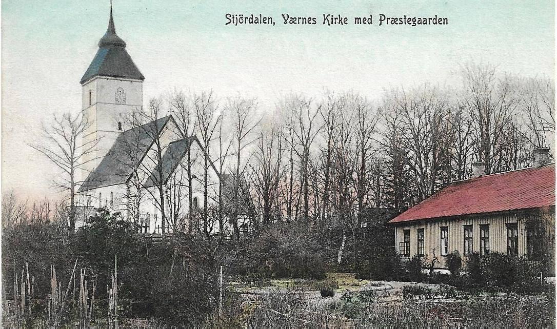 Værnes Kirke med Præstegaarden.jpg