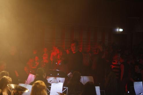 Diskokveld med over 200 ungdommer fra Tanem og Sørborgen skole.