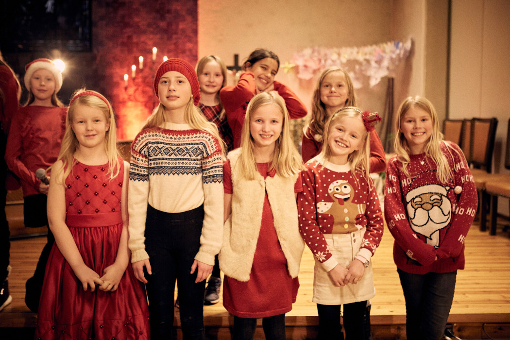HusebySkolekor_RøaKirke_FjerdetilSyvendeklasse__MG_7696_FotoHelgeBrekke.jpg