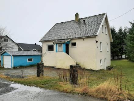 Fasade bilder og bilder av huset