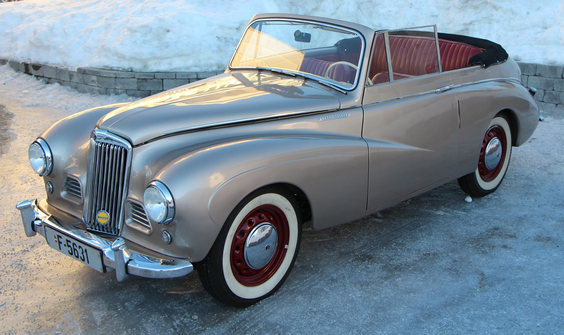 1953 Sunbeam Talbot DHC.JPG
