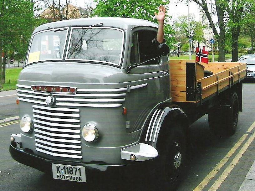 1958 Flott restaurert Commer last.jpg