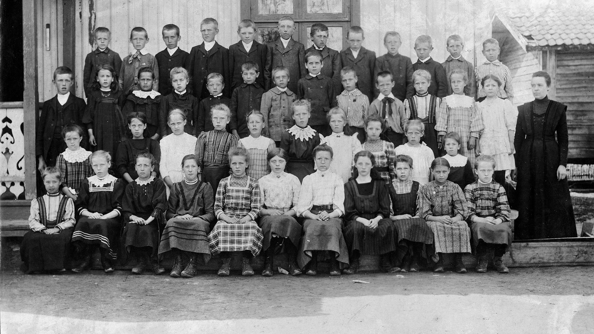 2021-03_Refsum-skole-1912-13.jpg