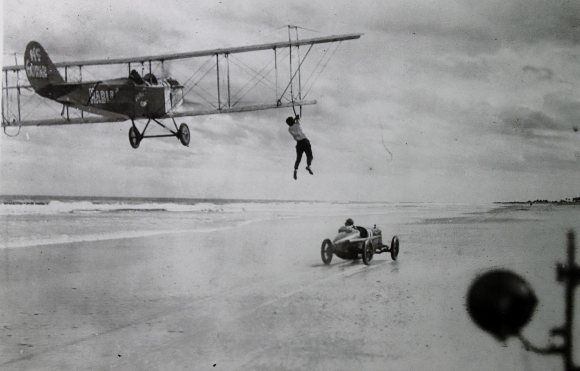 1921 Stunt med Sig og kvinnen Bugs McGowan og pilo
