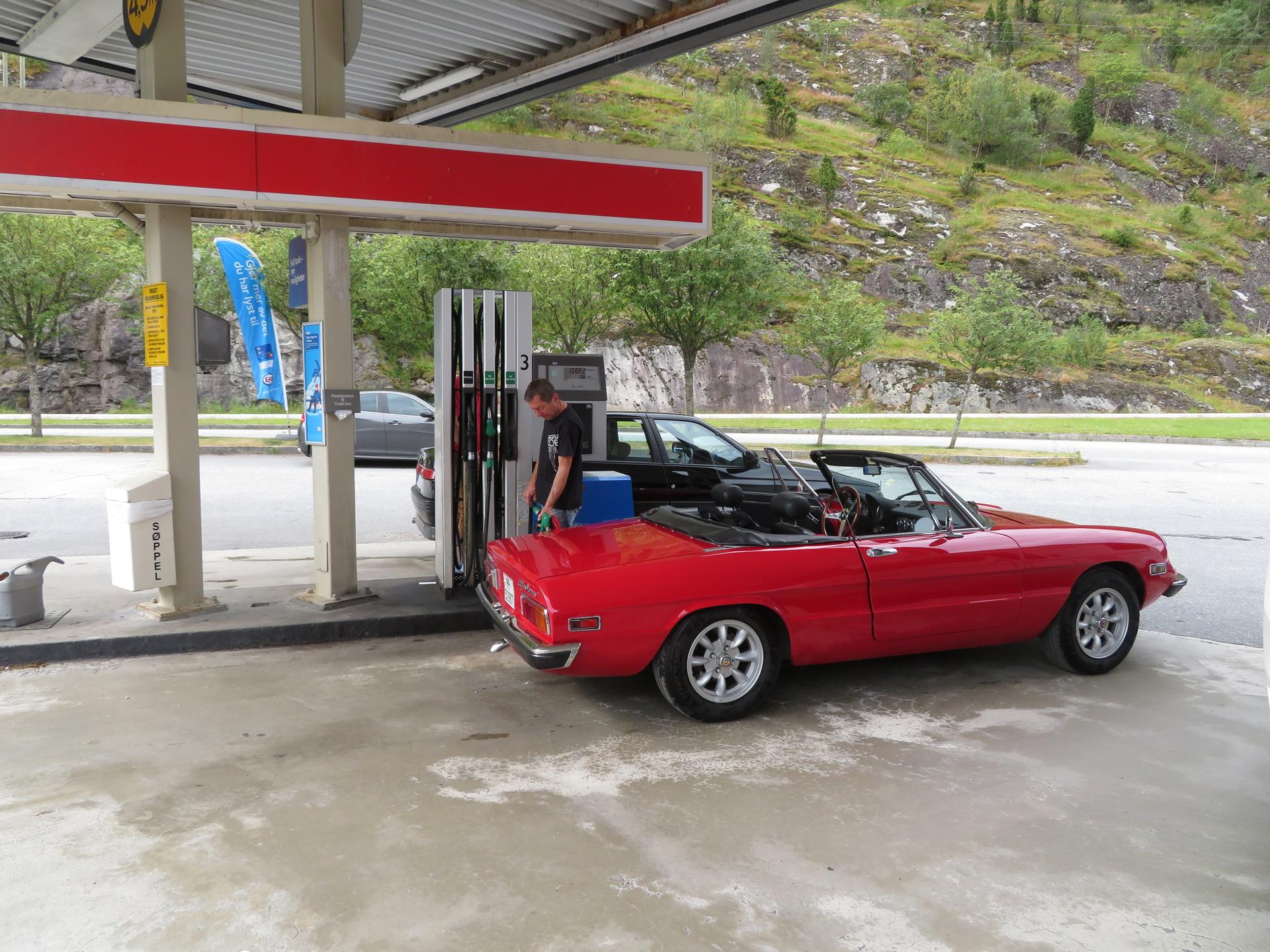 Drivstoff og samling før kjøretur (4).JPG