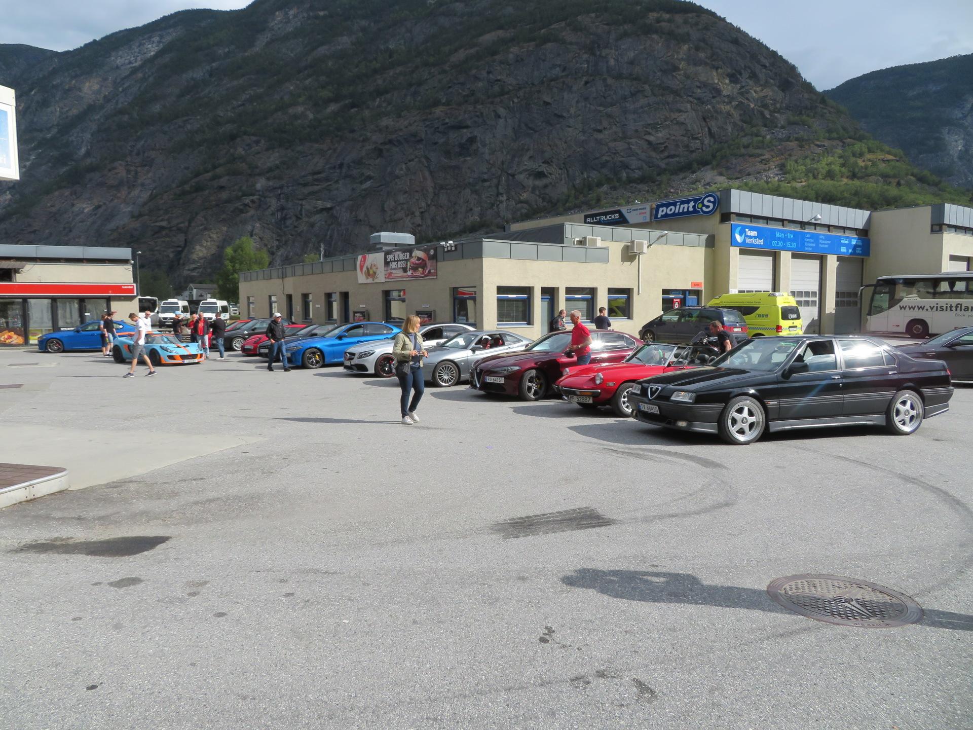 Drivstoff og samling før kjøretur (7).JPG