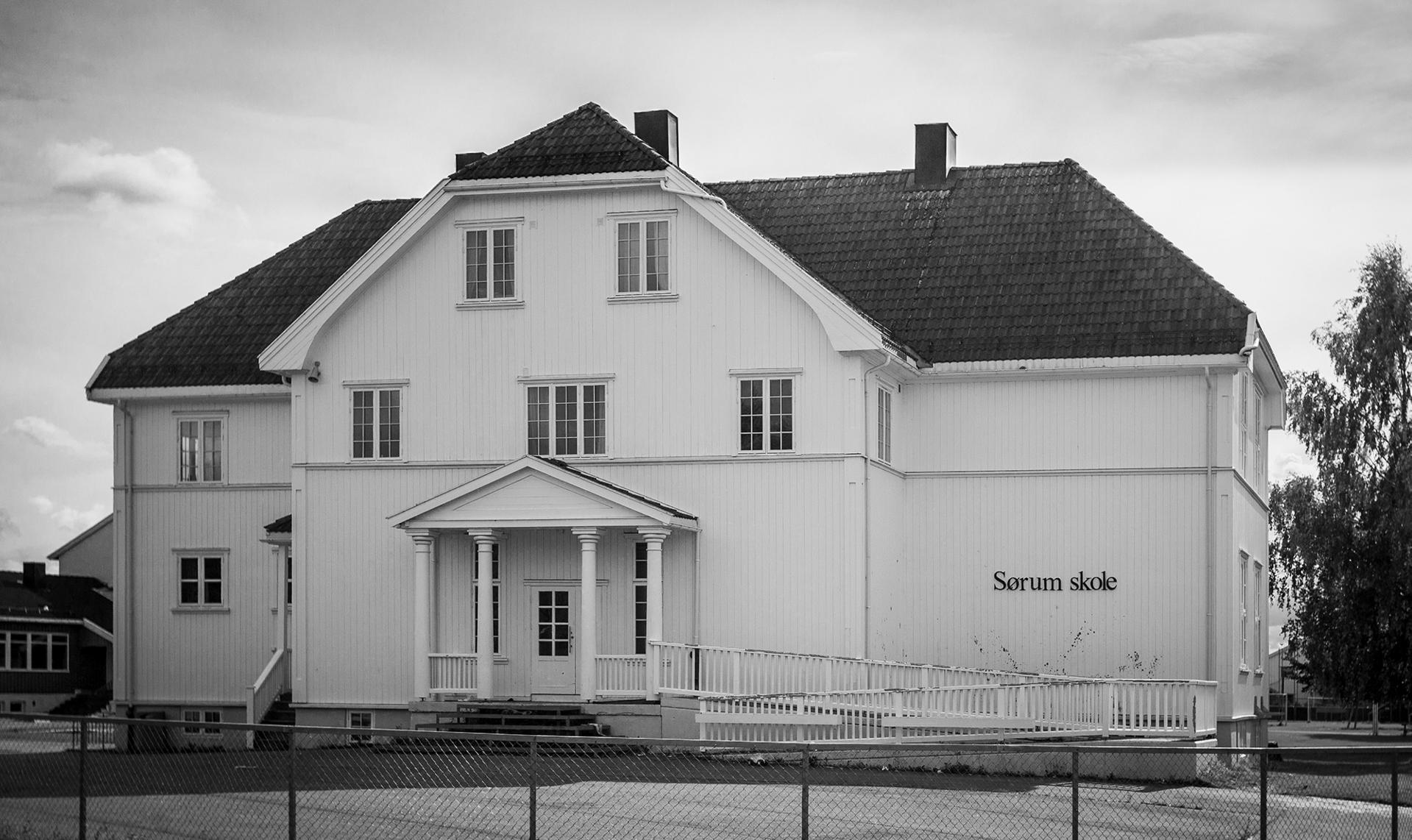 2021-04_Sørum-skole-inng.jpg