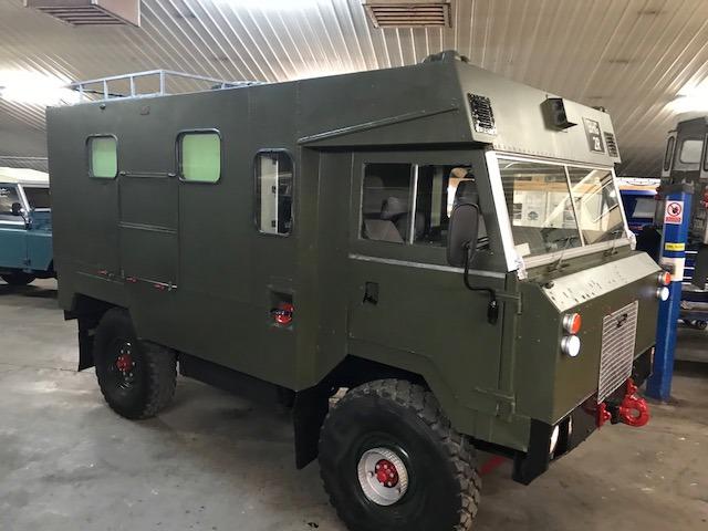 LR 101 Ambulance.jpg