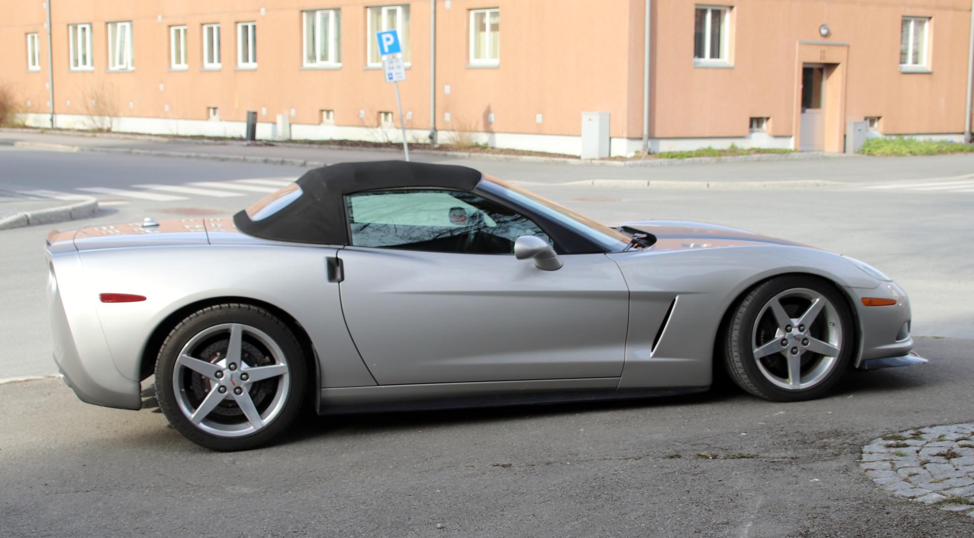 10 Corvette.JPG