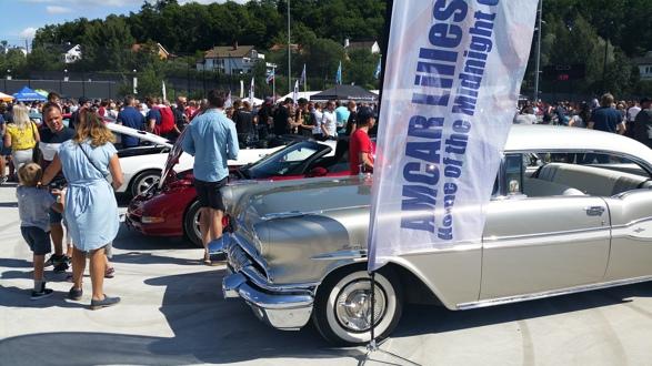 Det var stor aktivitet rundt bilene da klubben var representert på Ullevaal Stadion i forbindelse med Ullevaal Xtreme 2018. Foto: Espen Hoftvedt