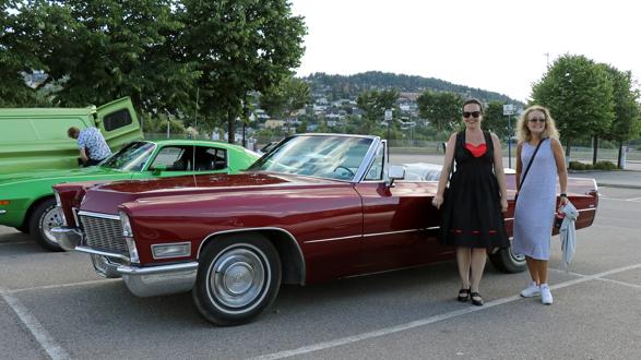 43 biler med mer enn 100 feststemte damer var med på årets Ladies Cruising i Lillestrøm, tirsdag 3. juli 2018. Foto: Ingrid og Kjetil E. Nygaard
