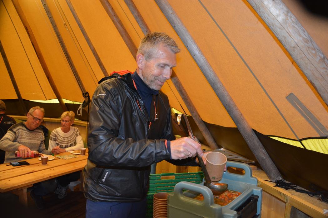 MP lunsj Riddercampen DSC_0154.JPG