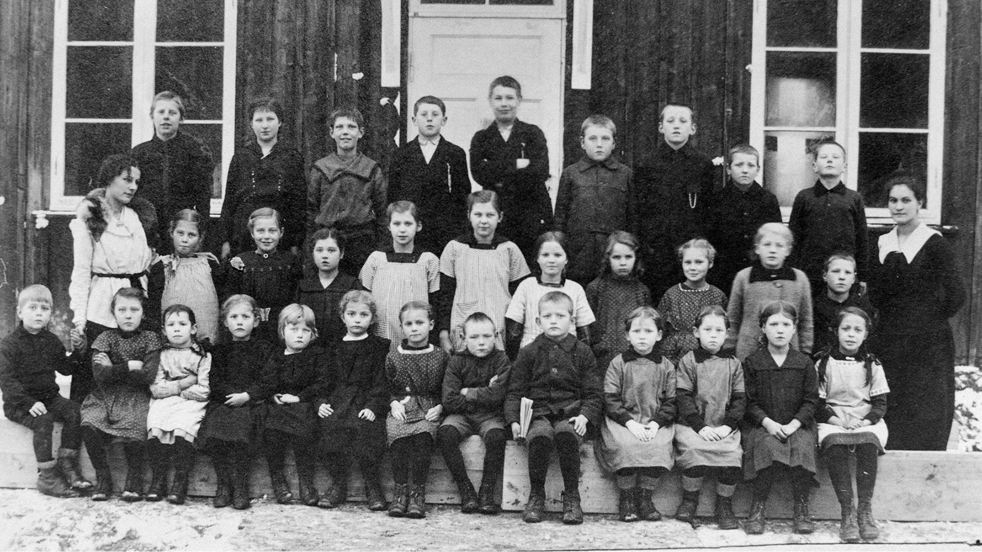 2021-07_Rånåsfoss-skole-1918.jpg