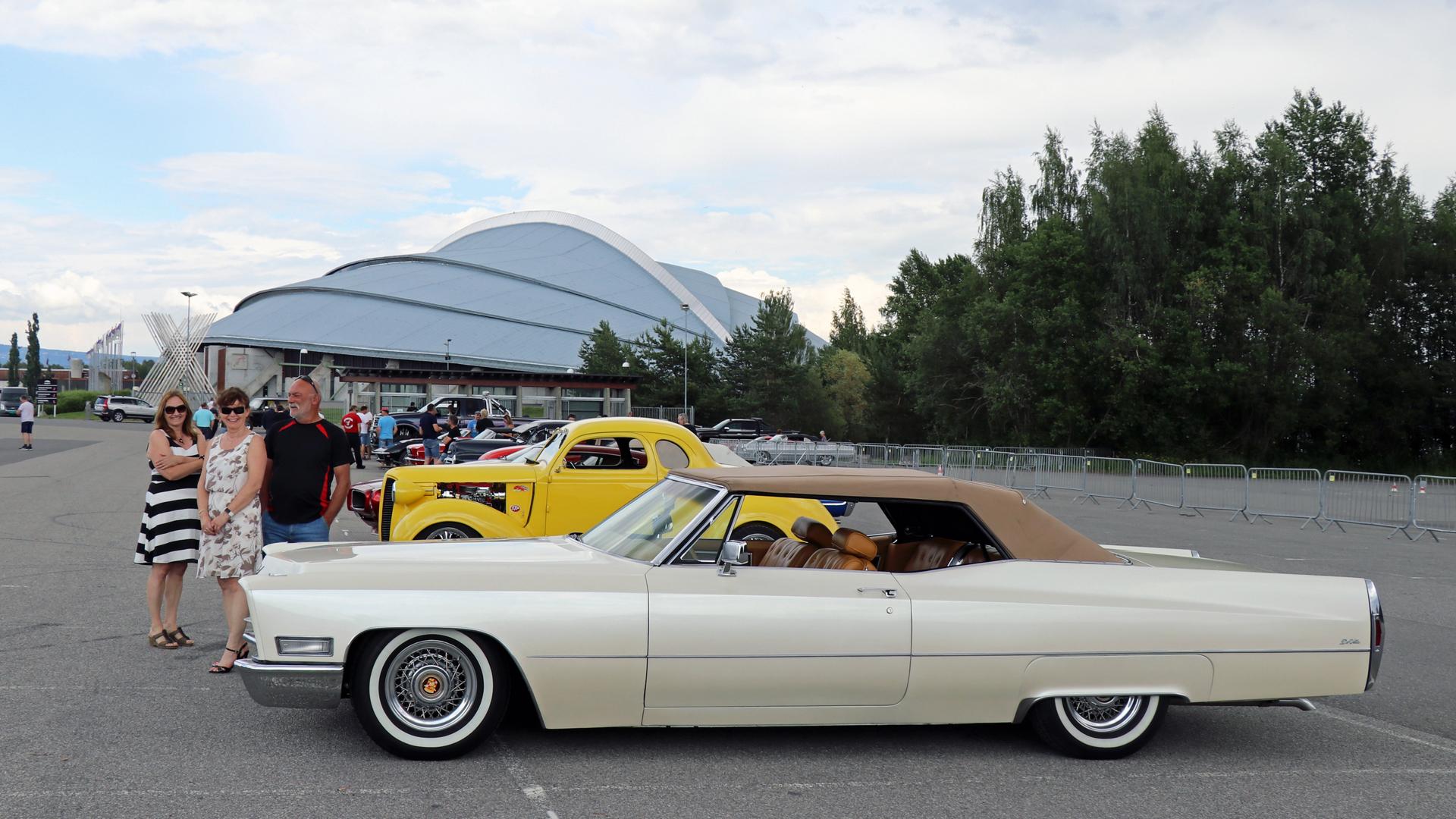 070-1968 Cadillac DeVille convertible 03, Eiere, 0