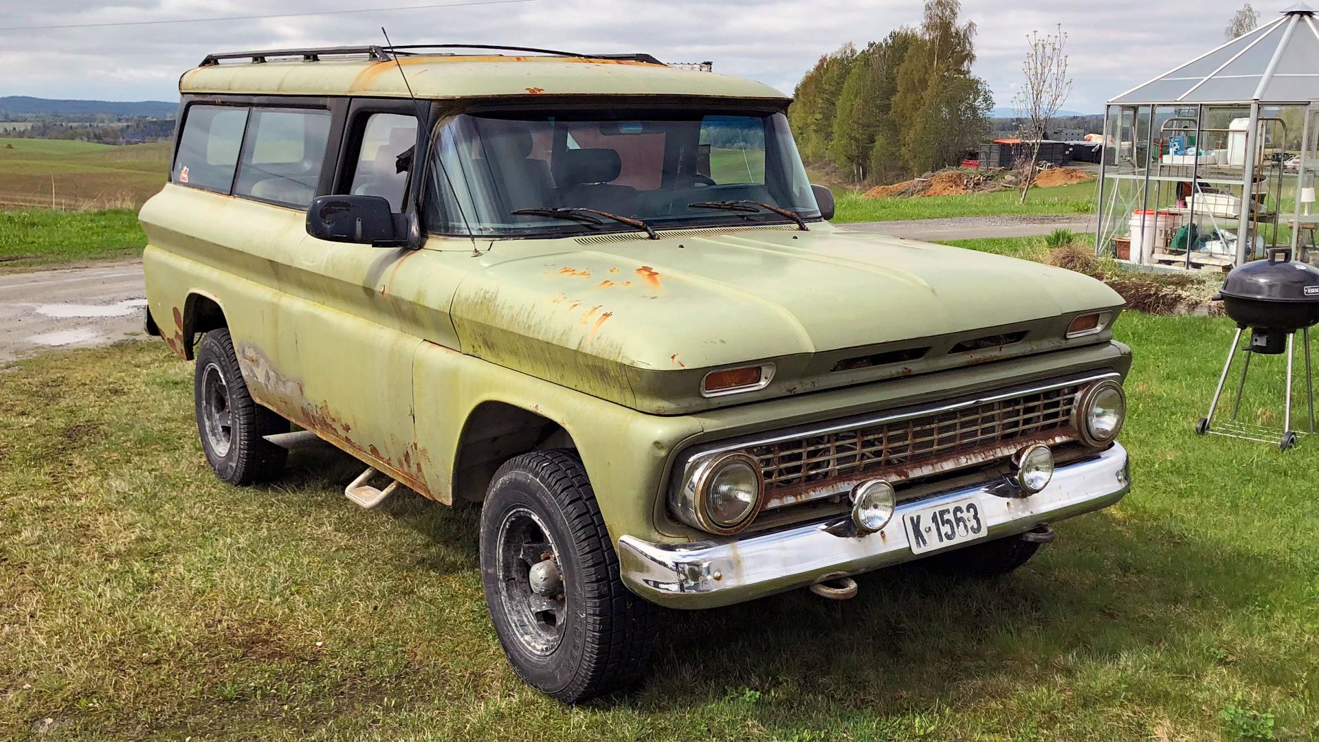 234-1963 Chevrolet Suburban Carry All 01. Eier- me