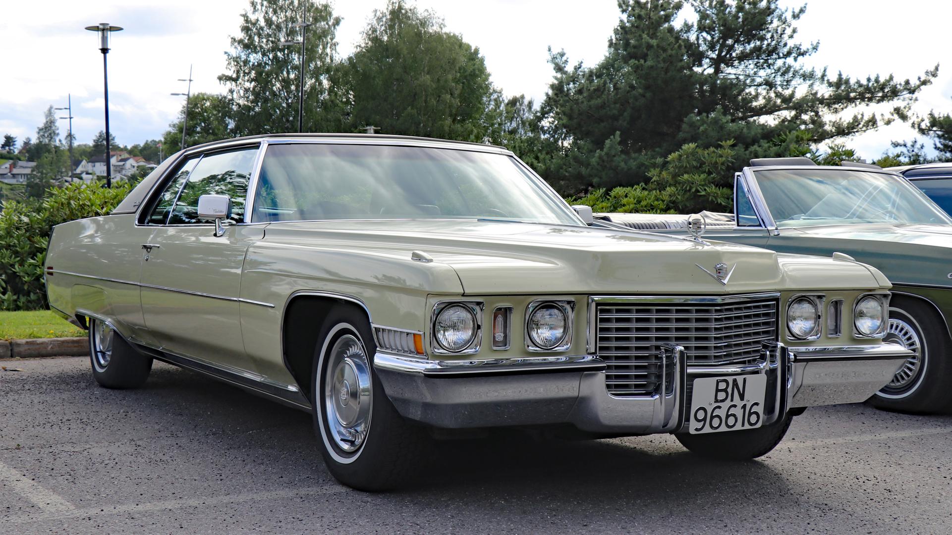 329-1972 Cadillac Coupe DeVille 01. Eier- medlem 3