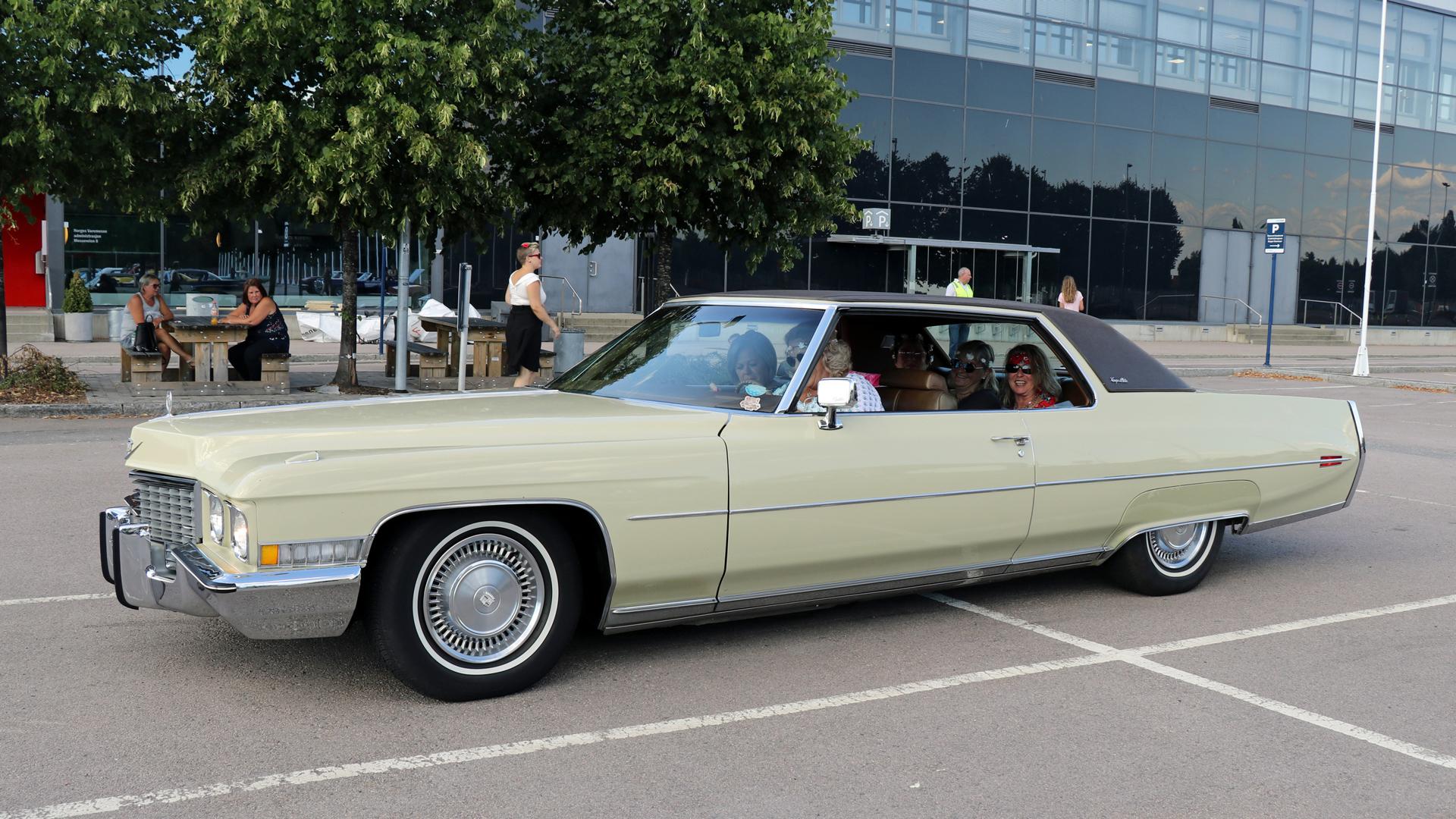 329-1972 Cadillac Coupe DeVille 02. Eier- medlem 3