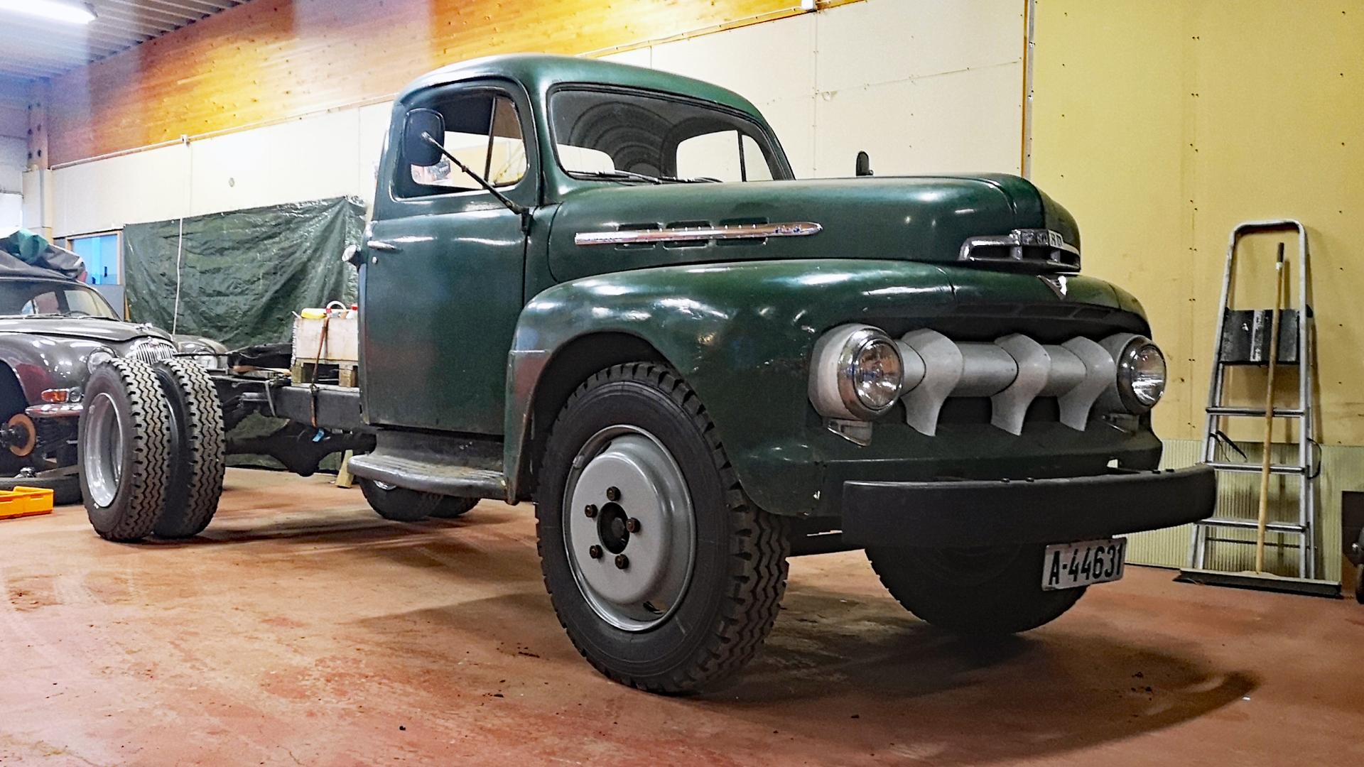 397-1951 Ford F5 V8 01. Eier- medlem 397 Tore Rønn