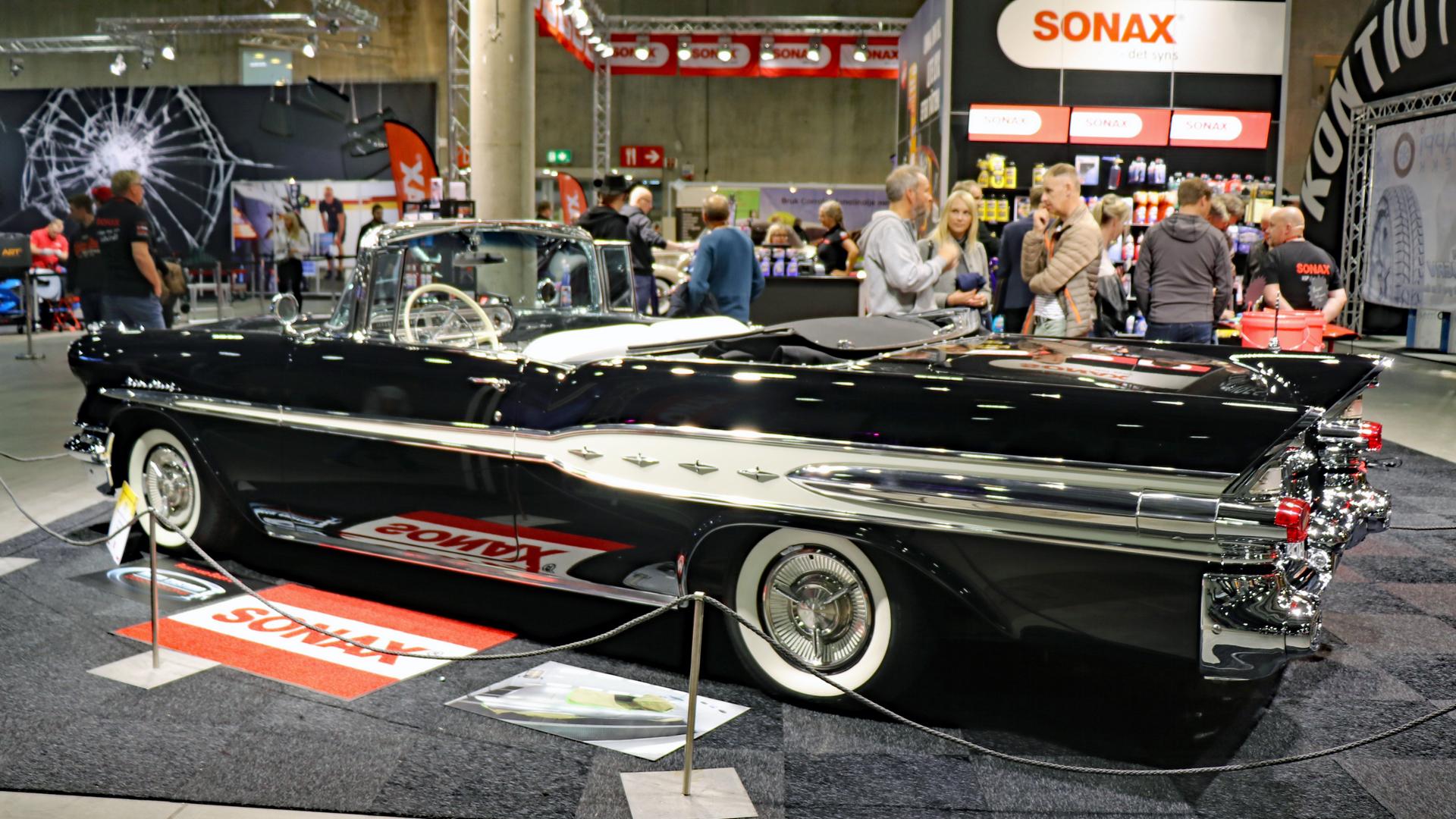 001-1957 Pontiac Star Chief convertible 05, Eier-m