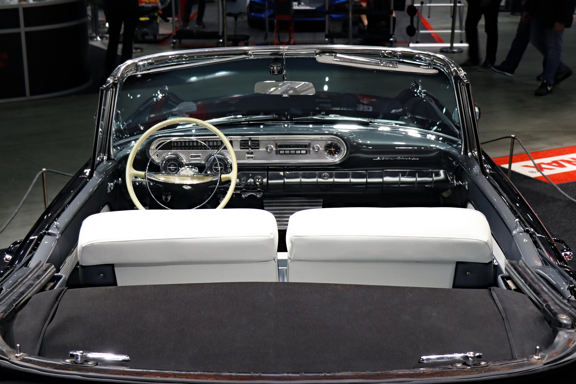 001-1957 Pontiac Star Chief convertible 07, Eier-m