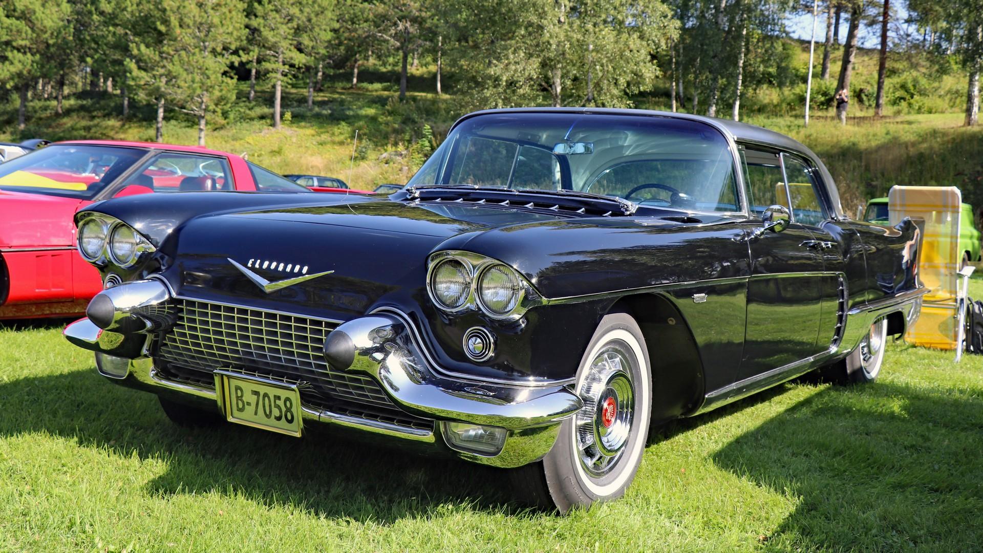 235-1958Cadillac Eldorado Brougham 01. Eier- medl