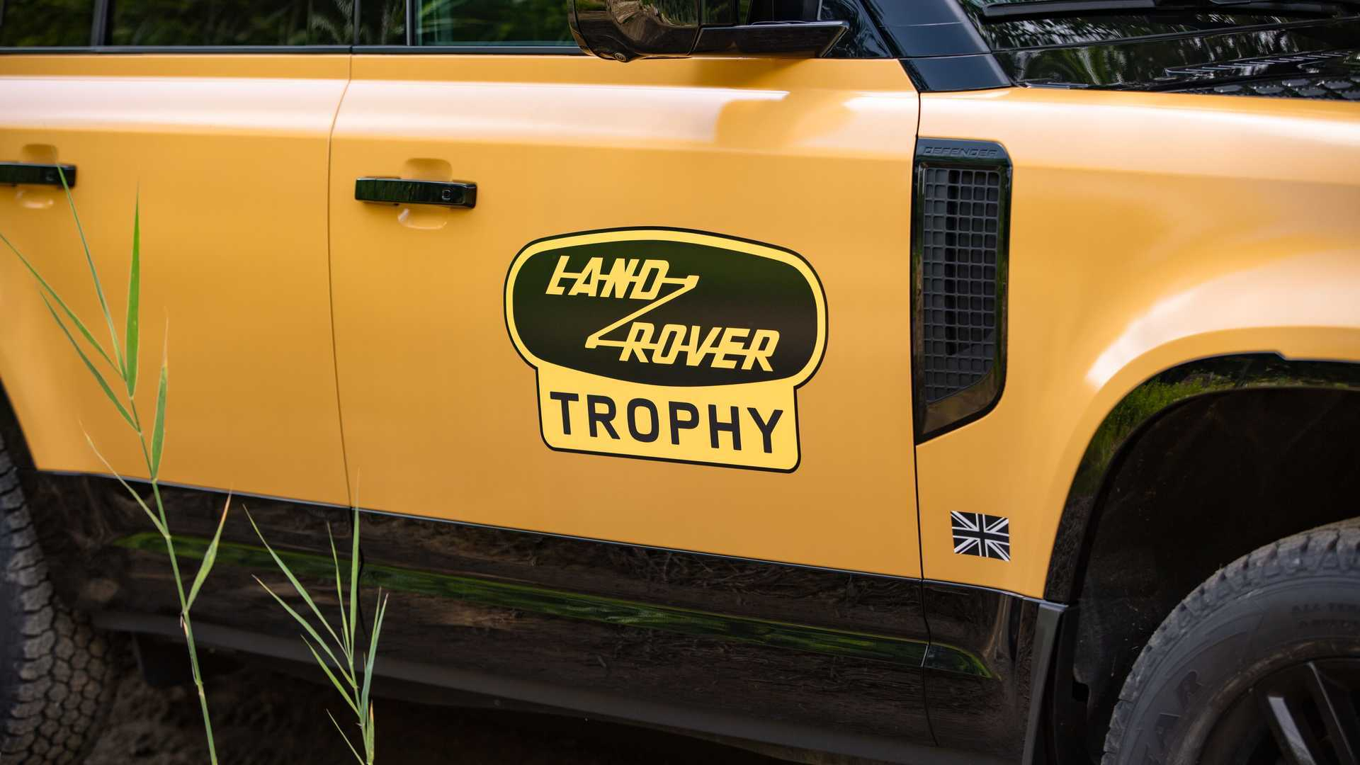 land-rover-defender-trophy-edition-badge.jpg