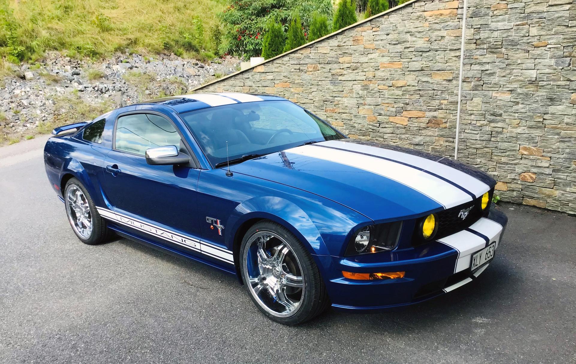 090-2007 Ford Mustang GT 01. Eier- medlem 090 Robe