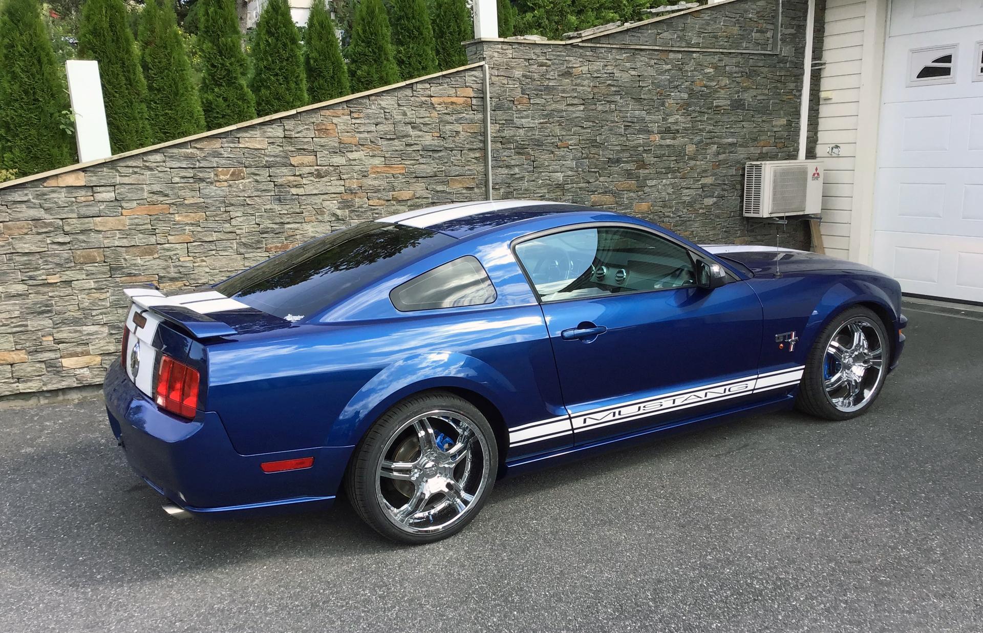 090-2007 Ford Mustang GT 02. Eier- medlem 090 Robe