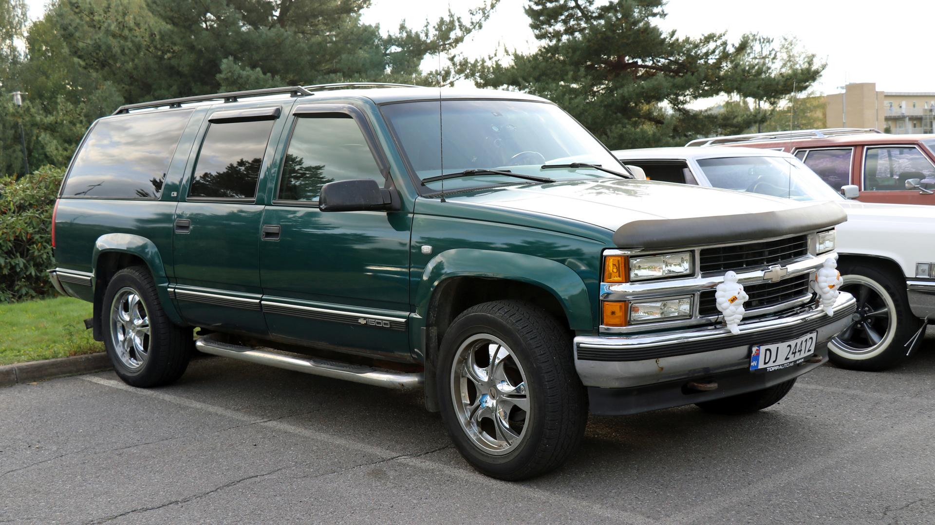 222-1997 Chevrolet Suburban 02. Eier- medlem 222 J