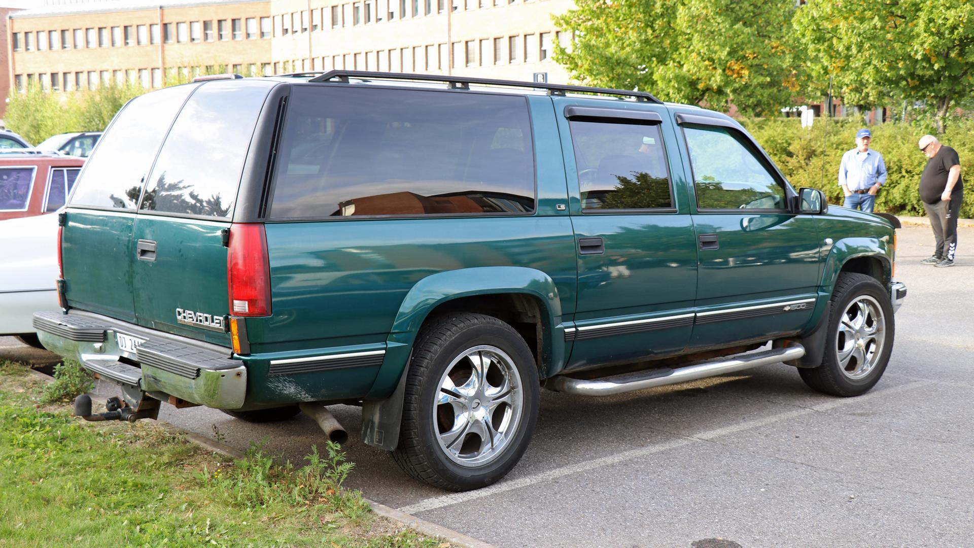 222-1997 Chevrolet Suburban 03. Eier- medlem 222 J