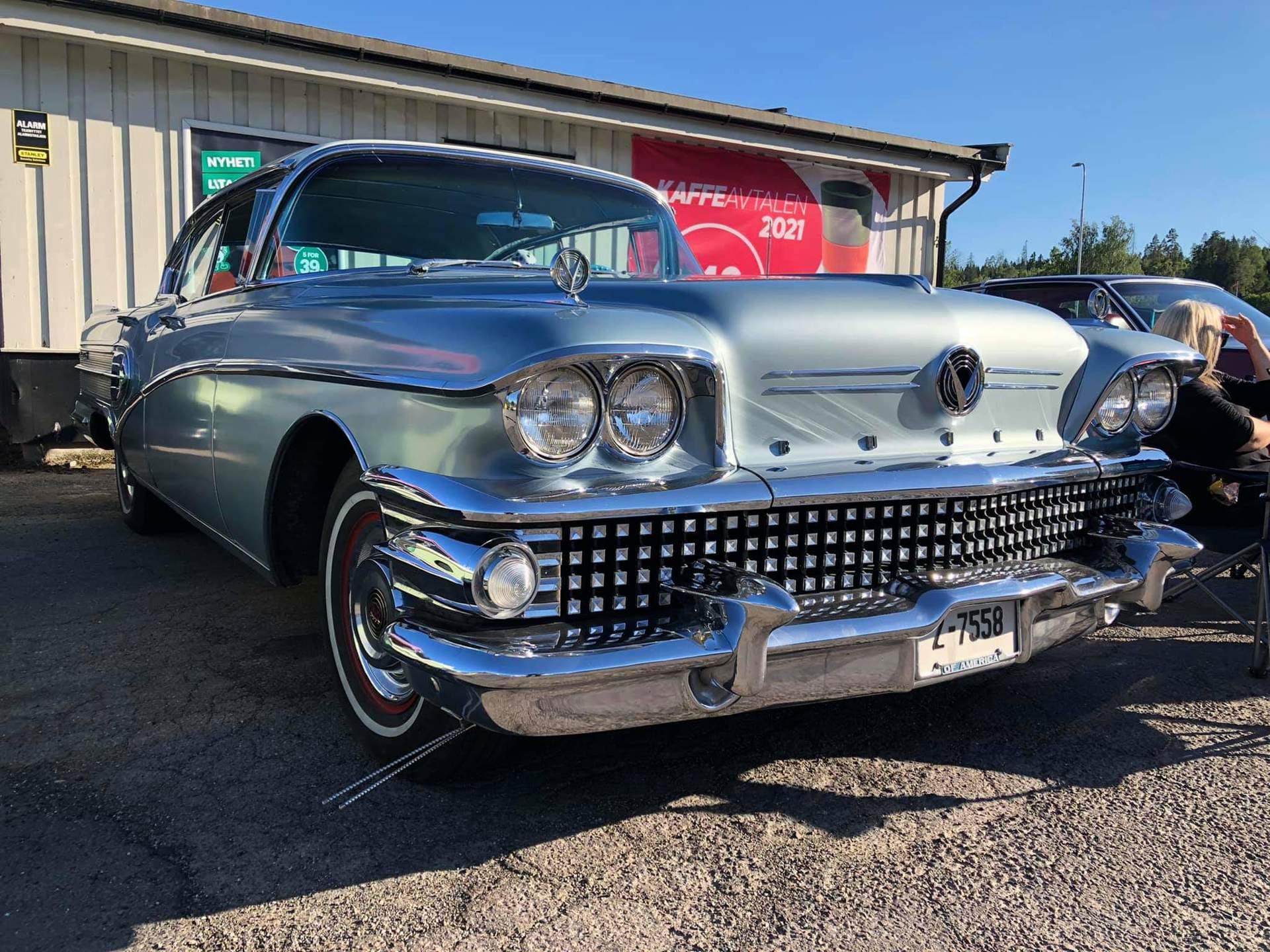 186-1958 Buick Roadmaster 75 Riviera 01. Eier- med