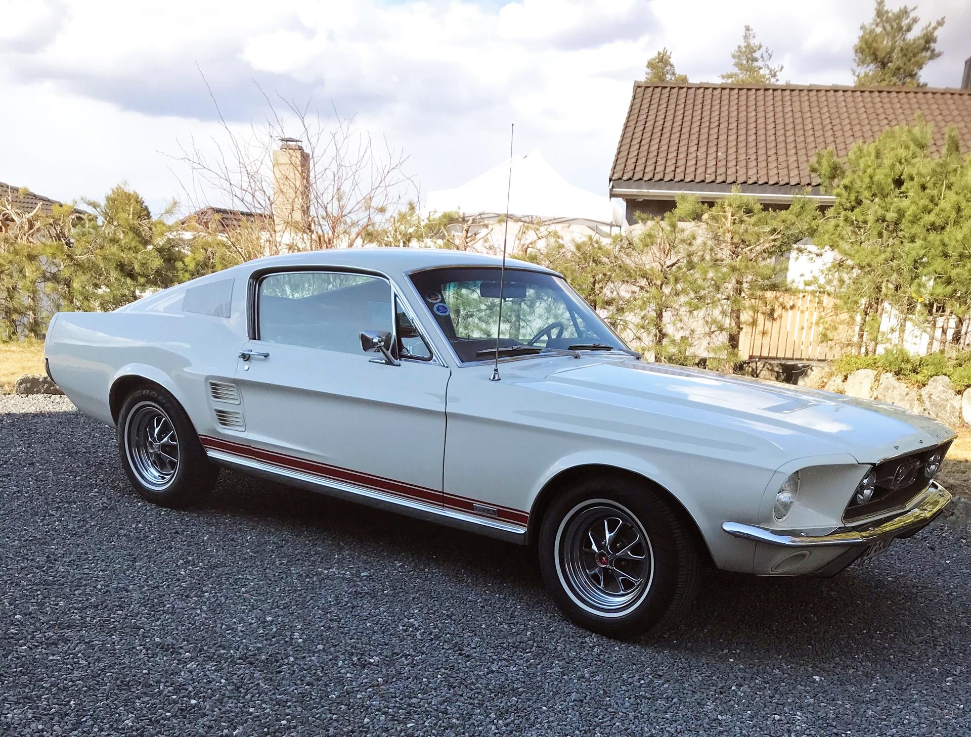 236-1967 Ford Mustang S code med GTA options 01. E