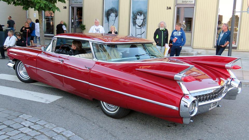 408-1959 Cadillac Series 62 4 Window Sedan 02. Eie