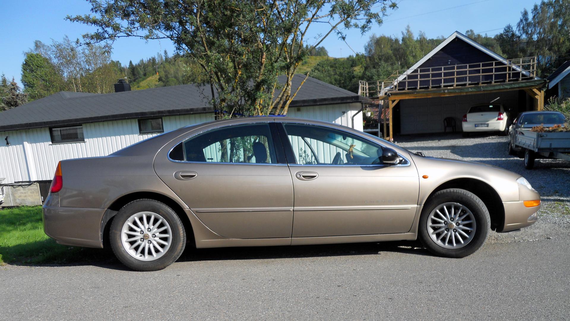 131-2000 Chrysler 300M 02. Eier- medlem 131 Famili
