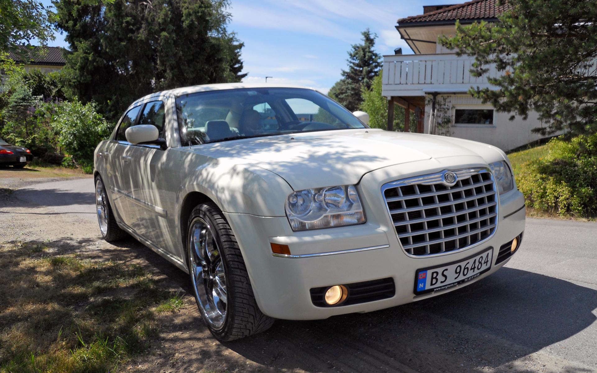 131-2005 Chrysler 300T 01. Eier- medlem 131 Famili