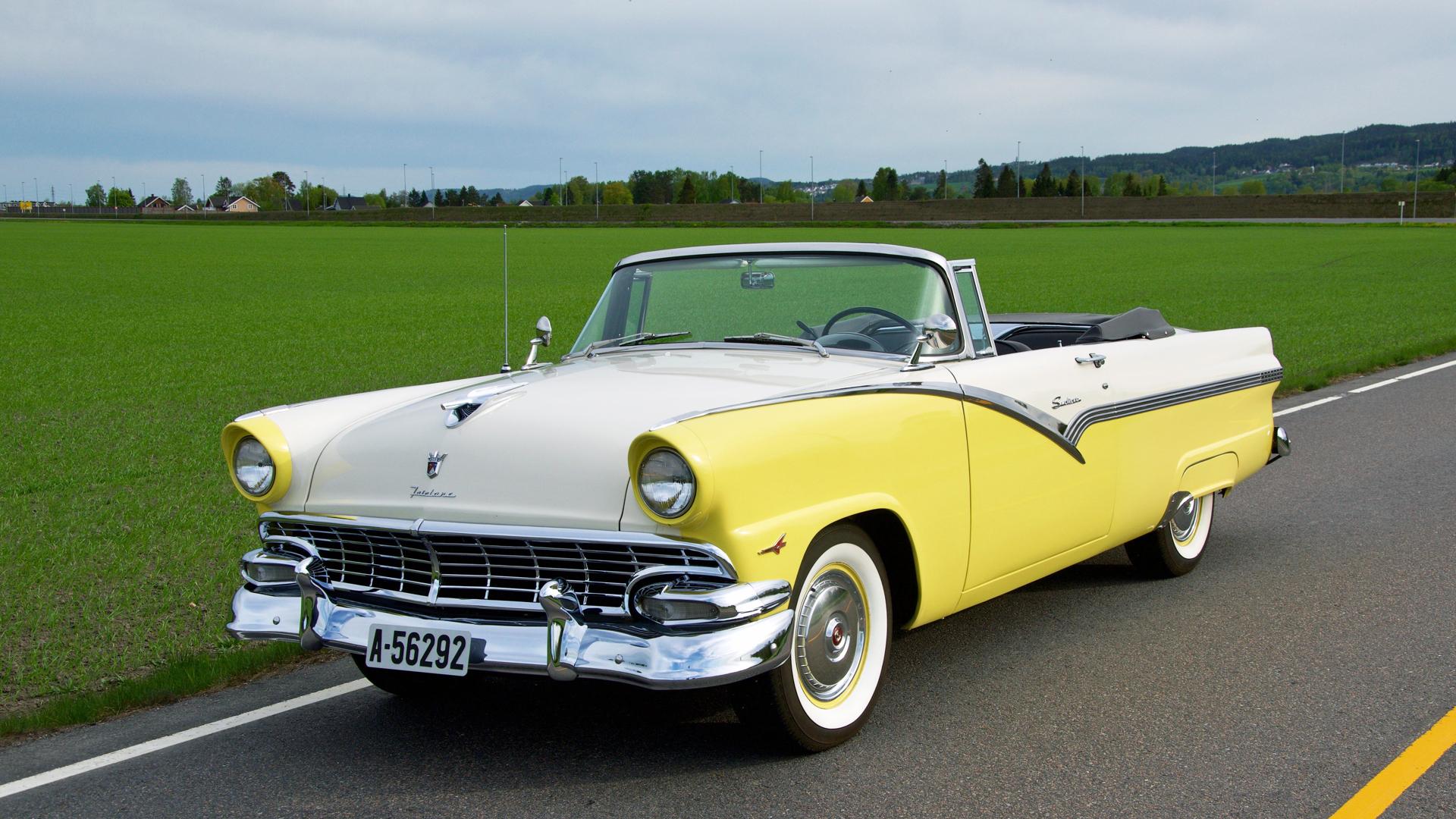 228-1956 Ford Fairlane Sunliner 01. Eier- medlem 2