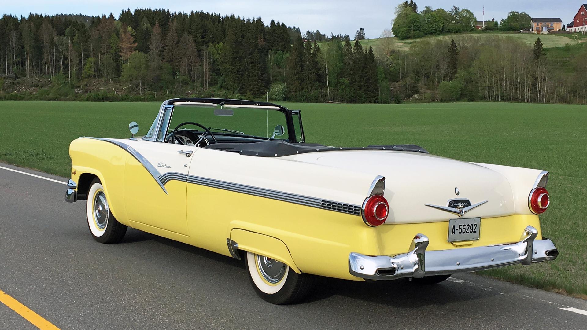 228-1956 Ford Fairlane Sunliner 02. Eier- medlem 2