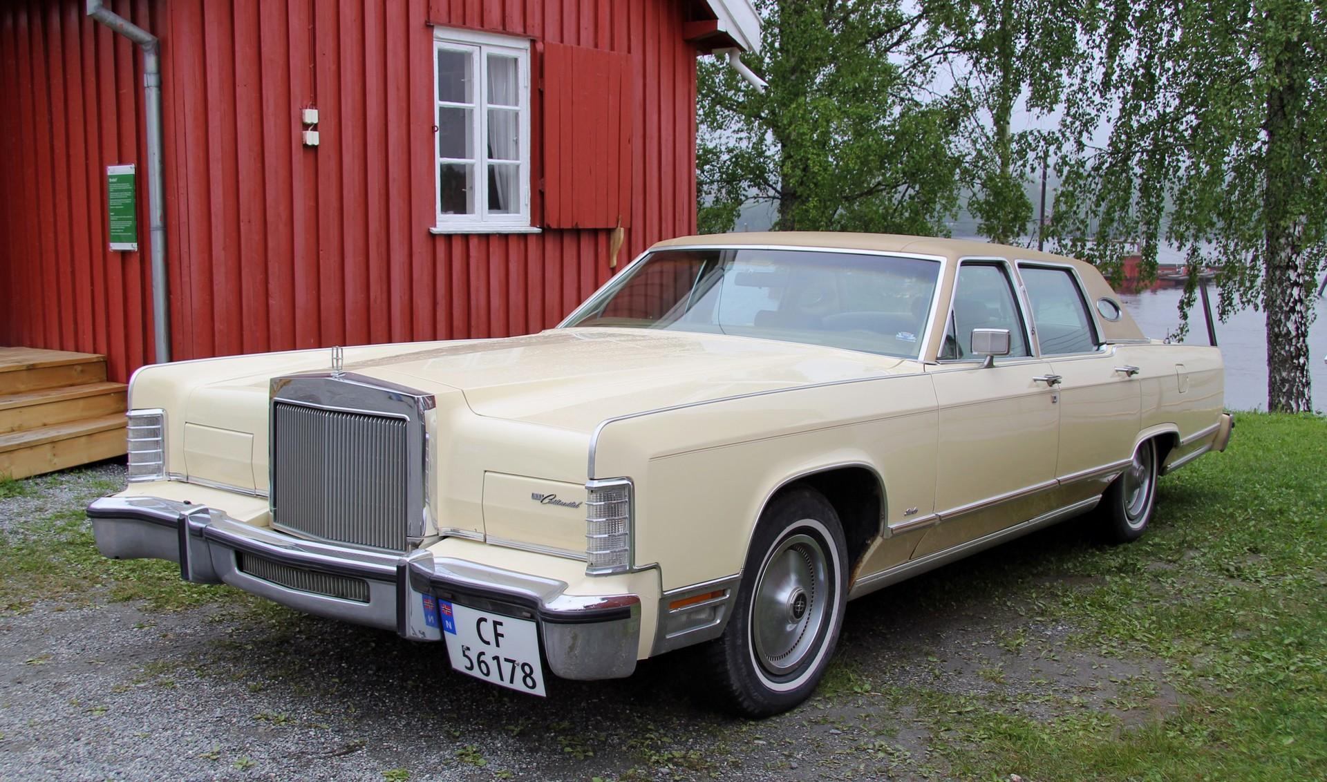 093-1979 Lincoln Continental Town Car 01. Eiere- M
