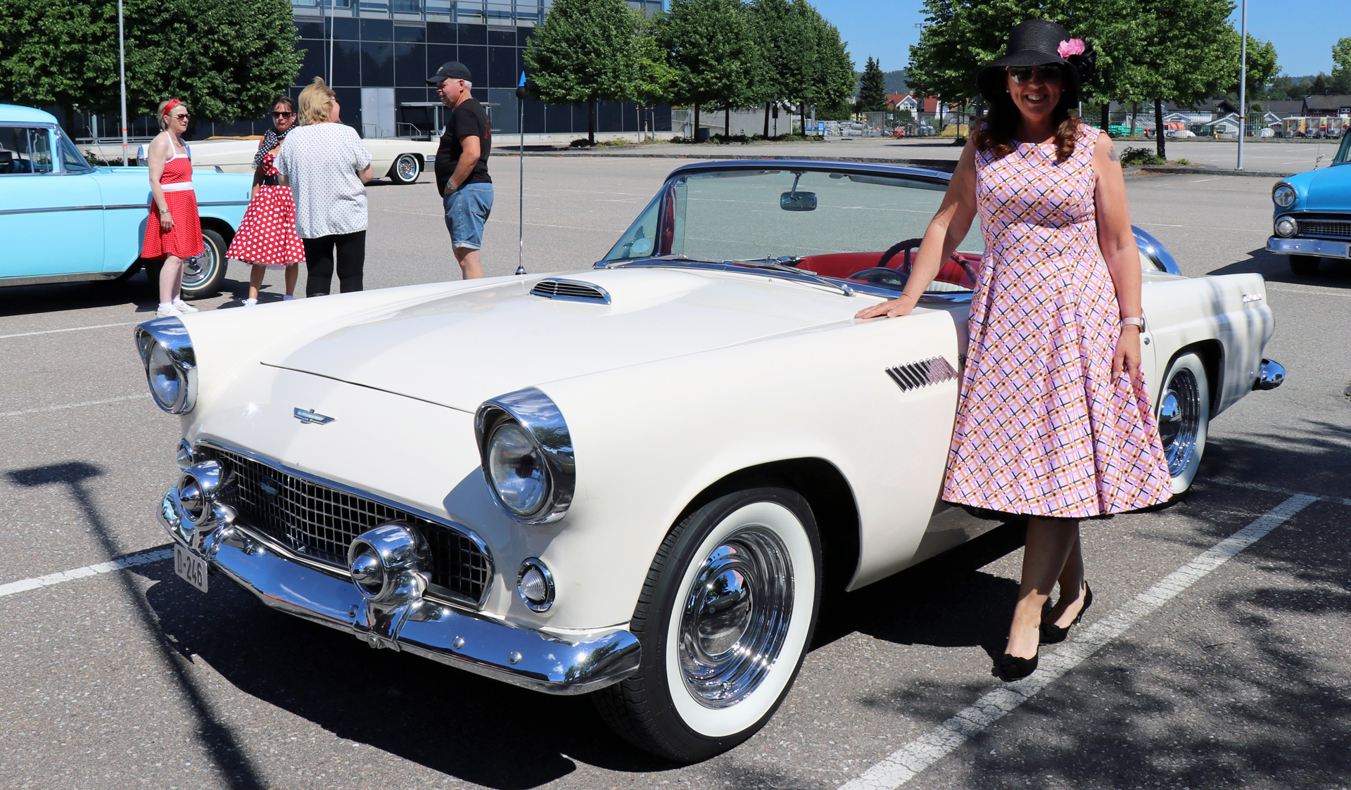 350-1956 Ford Thunderbird 02. Eiere- medlem 350 Ju