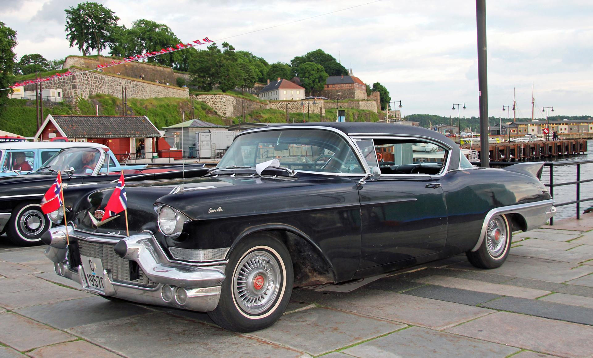 017-1957 Cadillac Eldordao Seville 01. Eier- medle