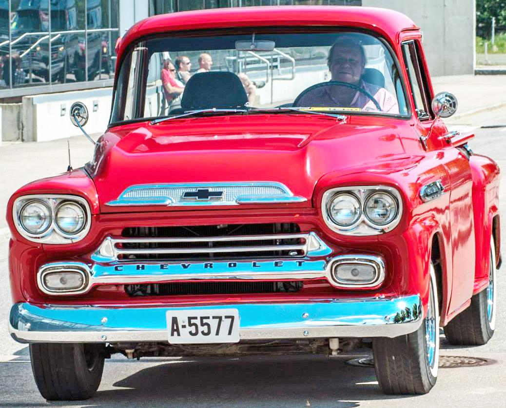 118-1958 Chevrolet Apache 02. Eier- medlem 118 Bjø