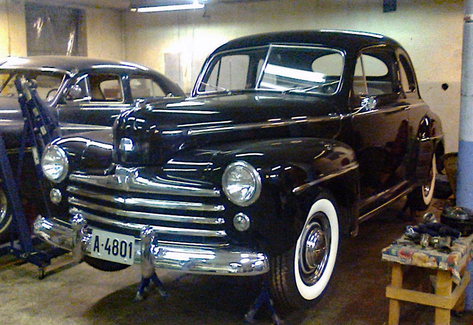 240-1948  Ford Super Deluxe Coupe 01. Eier- medlem